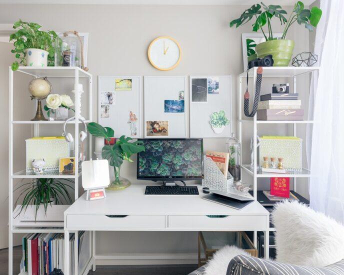 mobila birou monocroma